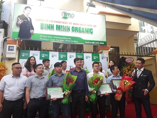 Diễn viên Bình Minh khai trương thực phẩm hữu cơ sạch